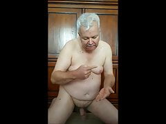 Dutch daddie jerking off and eat cum - long version